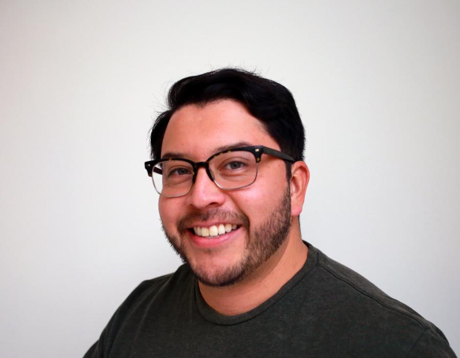 Julio Zelaya Headshot